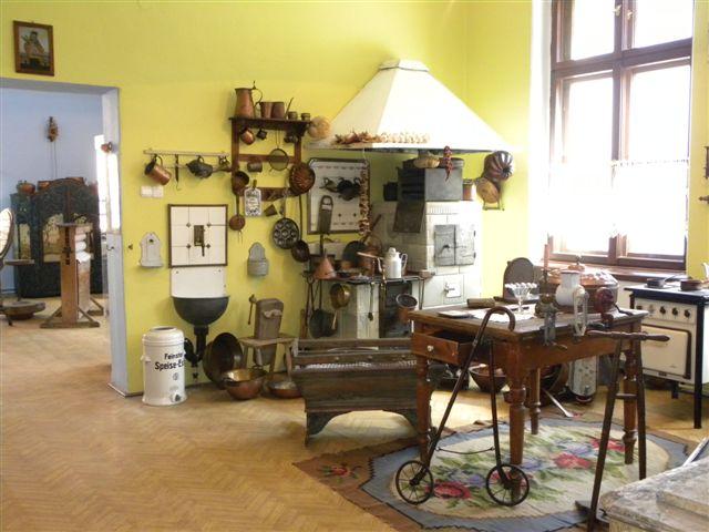 Muzeum sprz tu gospodarsta domowego czyli spotkaj babci swojej pralki podr e z mam i tat - Evolution du fer a repasser ...